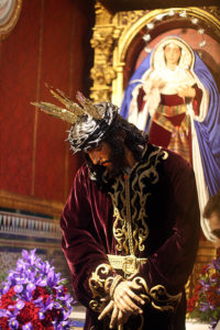 BESAMANOS JESUS 009